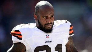 092514-FSO-NFL-Donte-Whitner-Browns.vresize.1200.675.high.30