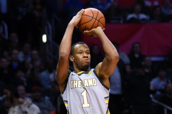 save off 5d89b 39267 Rodney Hood To Start At Shooting Guard For Cavs In Game 1 ...